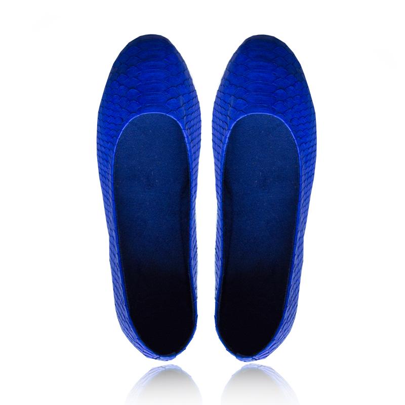 bailarinas azules de piel de pitón